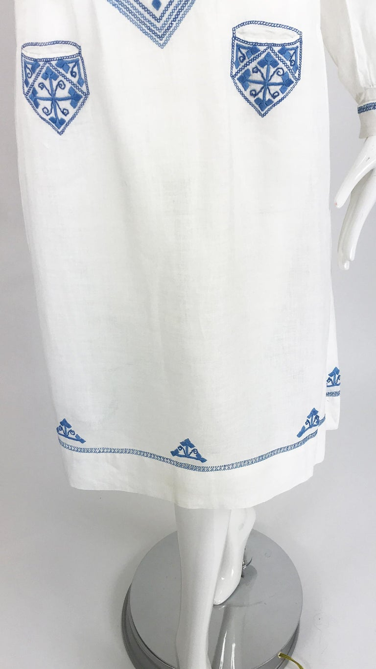 1920s Arts and Crafts Hand Embroidered Blue and White Linen Day Dress For Sale 10