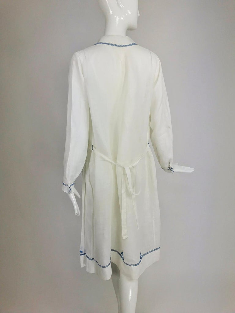 1920s Arts and Crafts Hand Embroidered Blue and White Linen Day Dress For Sale 3