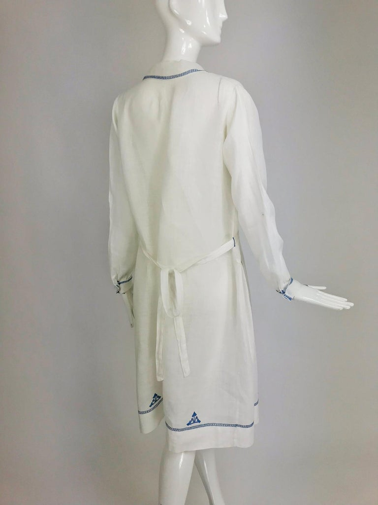 1920s Arts and Crafts Hand Embroidered Blue and White Linen Day Dress For Sale 4