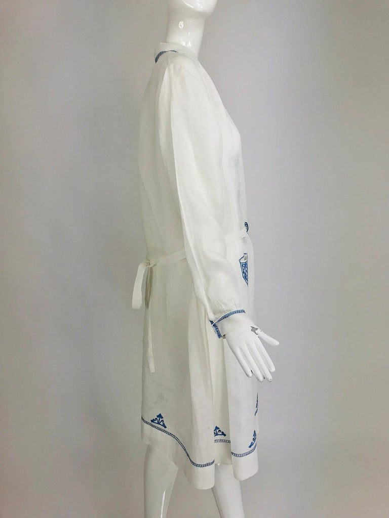 1920s Arts and Crafts Hand Embroidered Blue and White Linen Day Dress For Sale 5