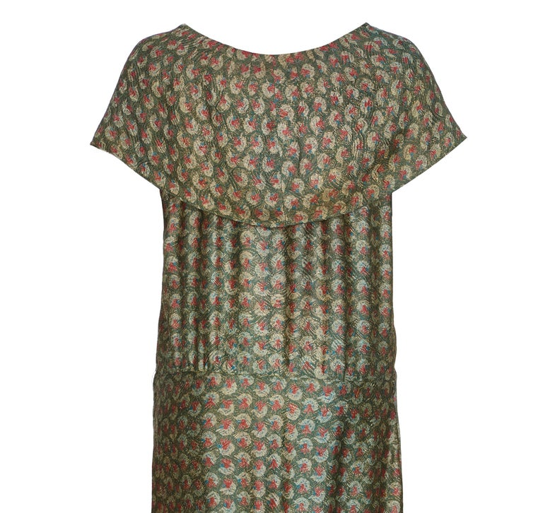 1920s Best and Co Green Lame Tiered Deco Print Dress  In Excellent Condition For Sale In London, GB