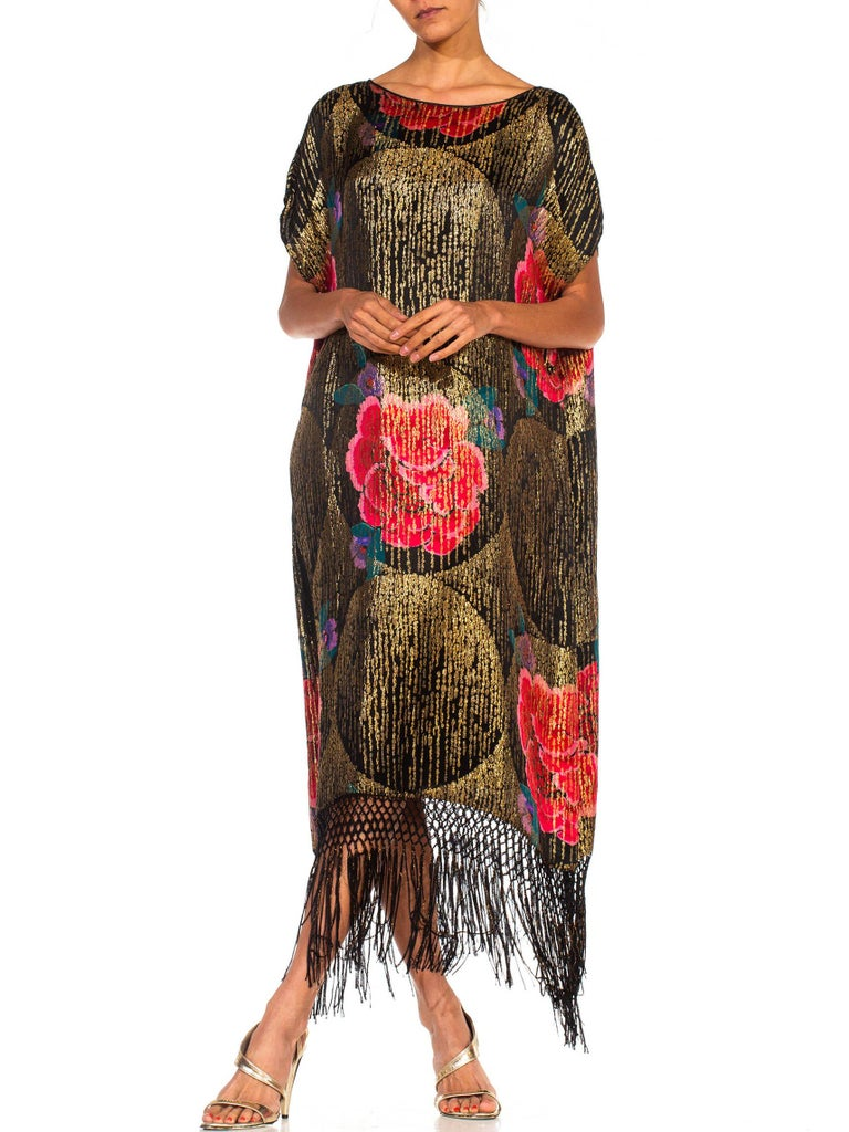 1920S Black Silk Gold Lamé Large Scale Floral Printed Cocktail Dress With Metal For Sale 2