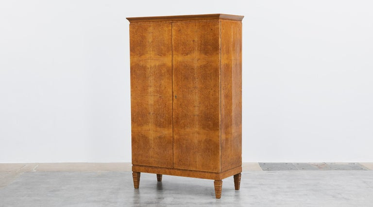 Mid-Century Modern 1920s Brown Wood and Radica Wardrobe by Gio Ponti For Sale