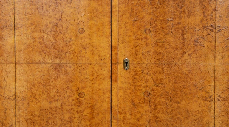1920s Brown Wood and Radica Wardrobe by Gio Ponti In Excellent Condition For Sale In Frankfurt, Hessen, DE