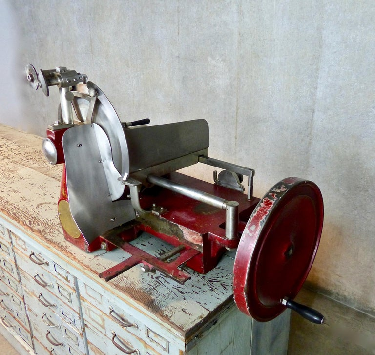 1920s Cast Iron Hand Crank Meat Slicer For Sale 4