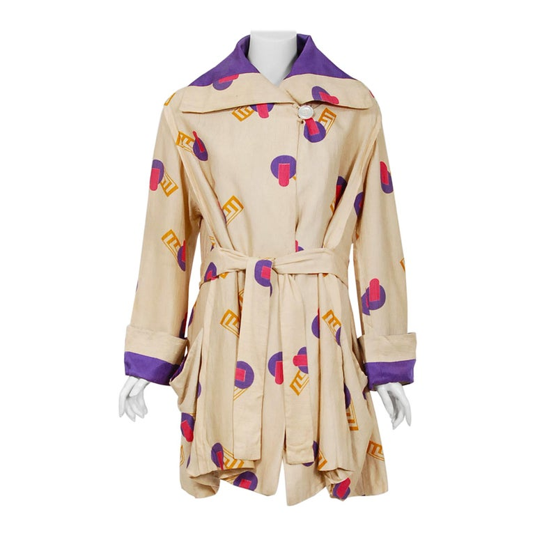 1920's Colorful Art-Deco Geometric Novelty Print Silk Belted Wrap Walking Jacket For Sale