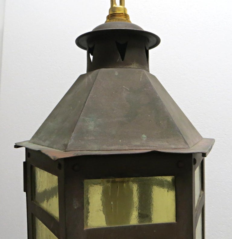 Arts and Crafts 1920s Copper and Amber Glass Arts & Crafts Hanging Lantern For Sale