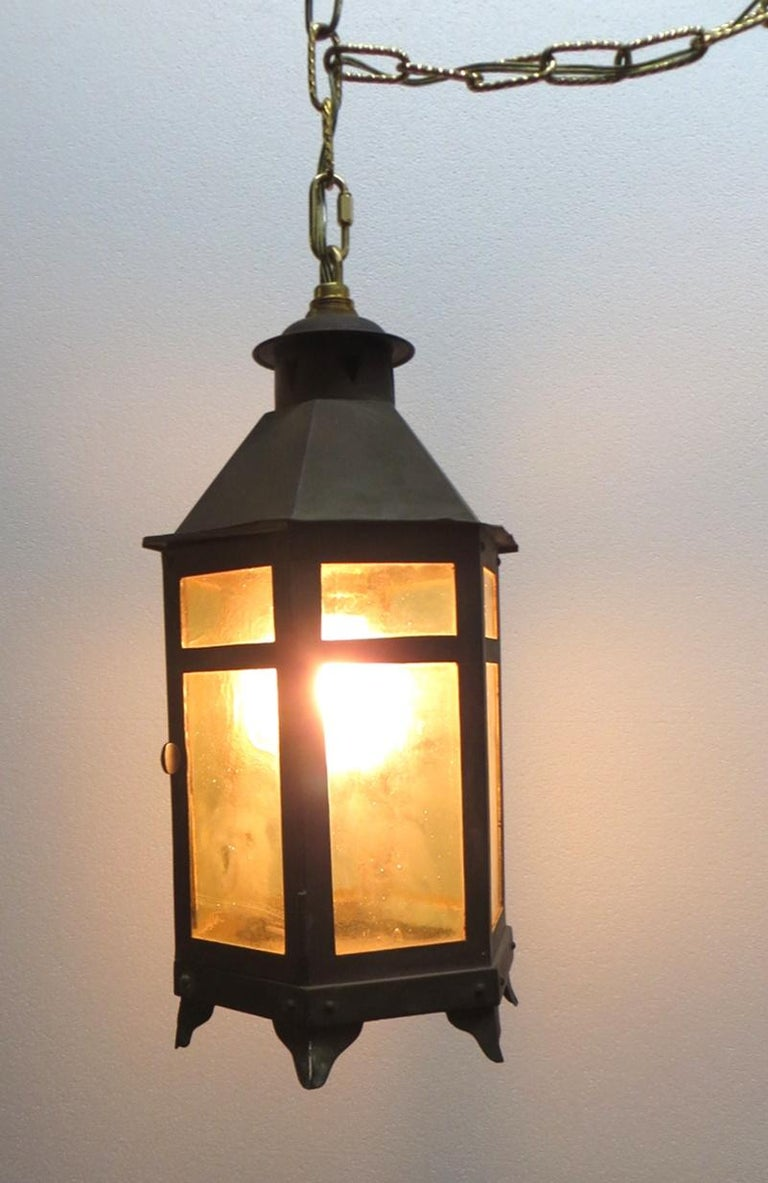 Early 20th Century 1920s Copper and Amber Glass Arts & Crafts Hanging Lantern For Sale