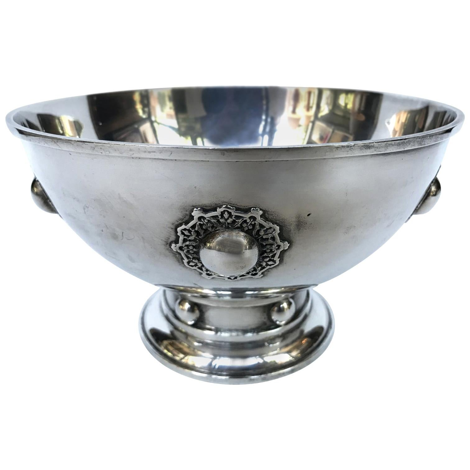 1920s Decorative Hawkes Sterling Silver Bowl by O. R. Dunn