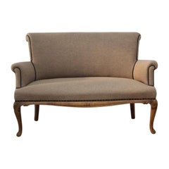 1920s English Small Walnut Settee in the Queen Anne Taste