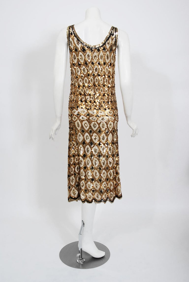 1920's French Couture Gold & Black Art-Deco Sequin Scalloped Flapper Dress  For Sale 2