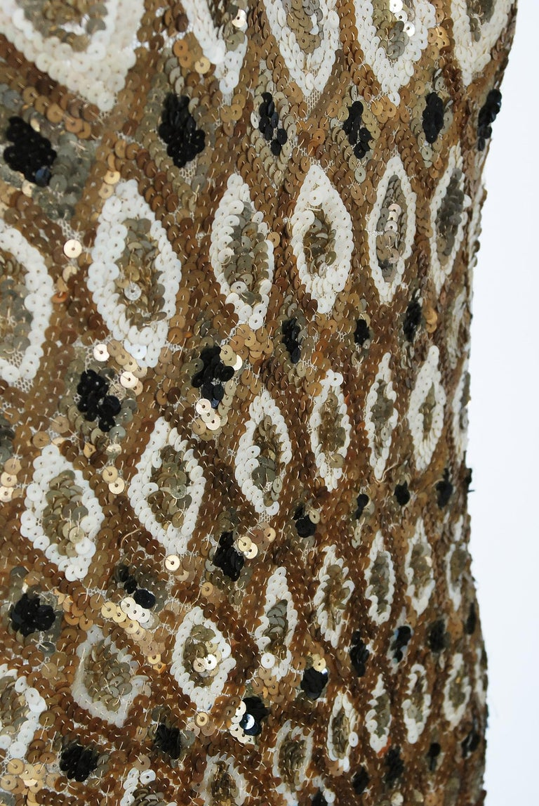 1920's French Couture Gold & Black Art-Deco Sequin Scalloped Flapper Dress  For Sale 3