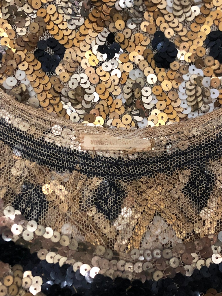 1920's French Couture Gold & Black Art-Deco Sequin Scalloped Flapper Dress  For Sale 4