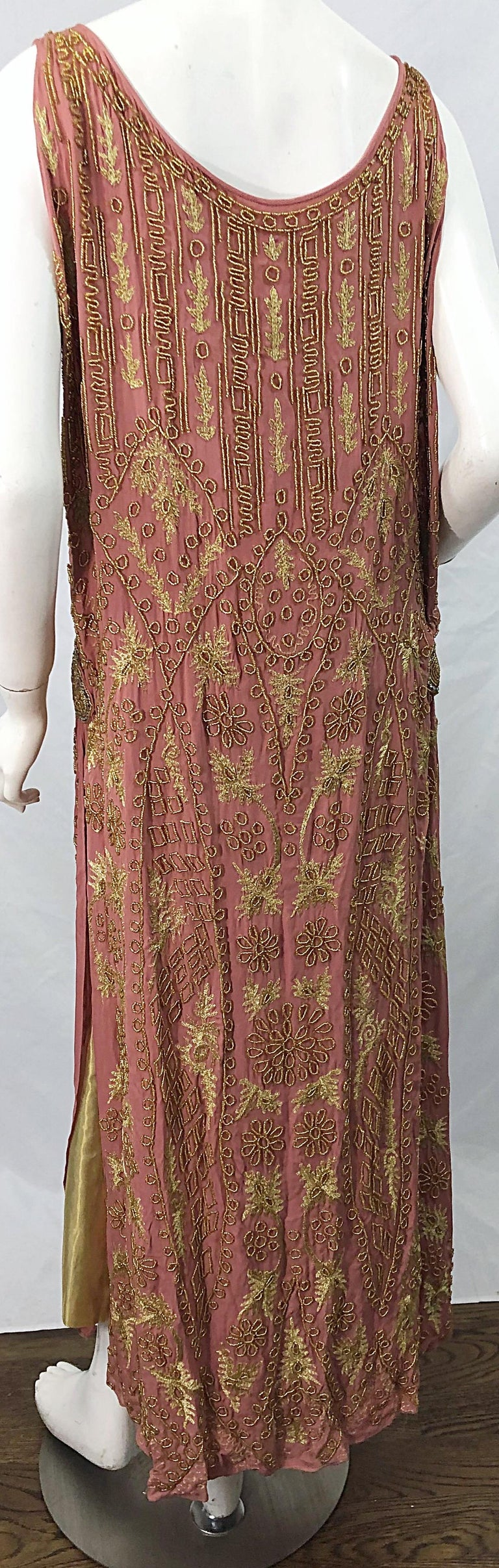 1920s French Couture Pink + Gold Beaded Gatsby Roaring 20s Vintage Flapper Dress For Sale 7