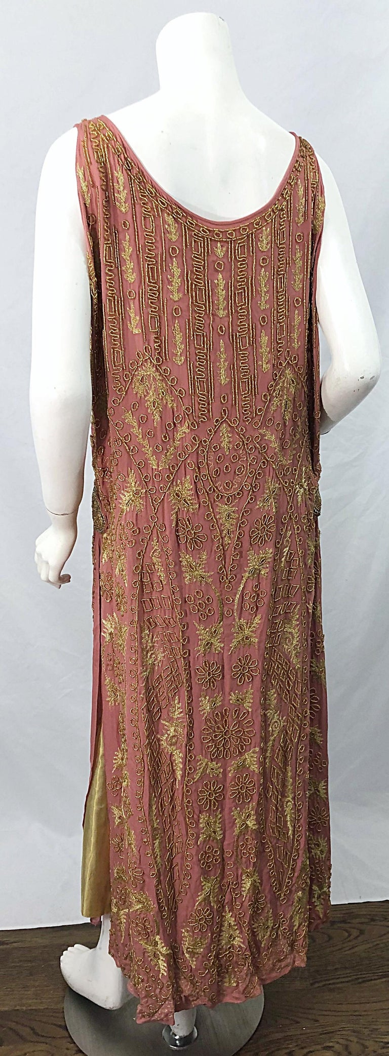 1920s French Couture Pink + Gold Beaded Gatsby Roaring 20s Vintage Flapper Dress For Sale 10