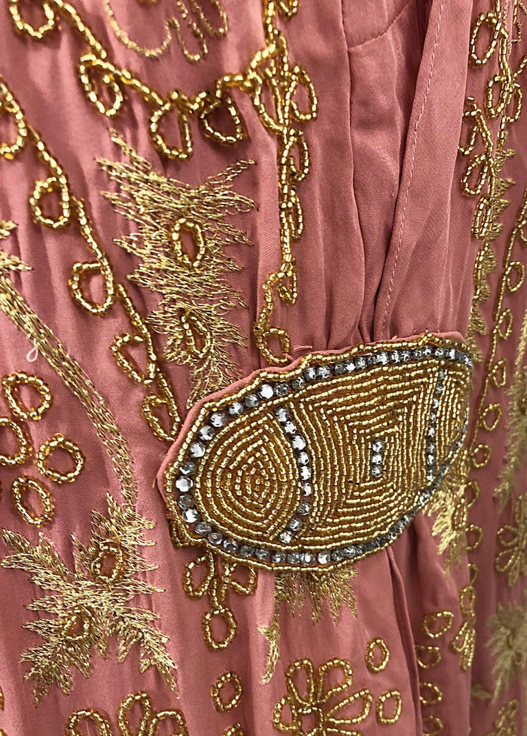 Women's 1920s French Couture Pink + Gold Beaded Gatsby Roaring 20s Vintage Flapper Dress For Sale