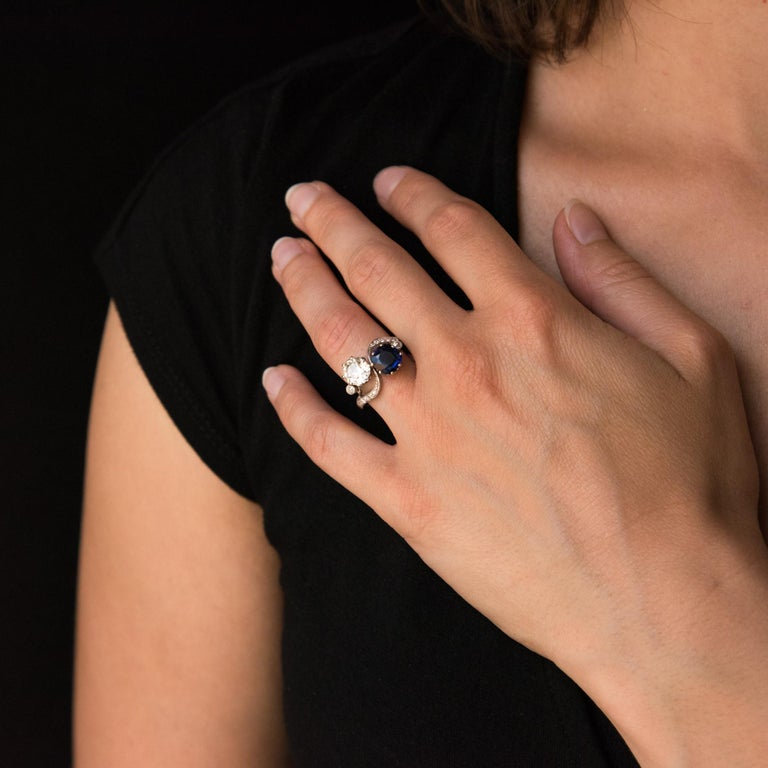 Antique Cushion Cut 1920s French Sapphire Diamond Gold Toi et Moi Ring For Sale