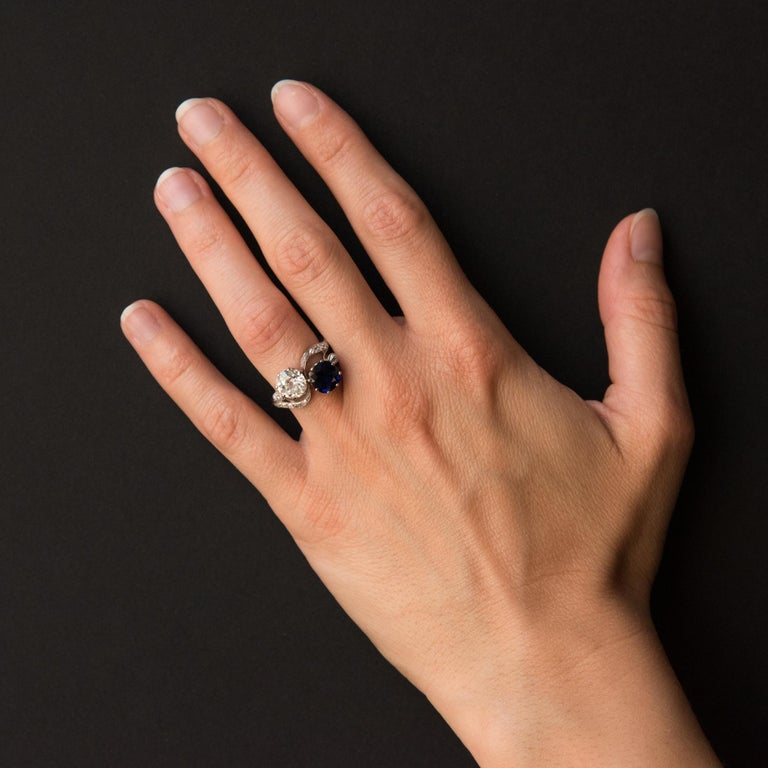 1920s French Sapphire Diamond Gold Toi et Moi Ring For Sale 3