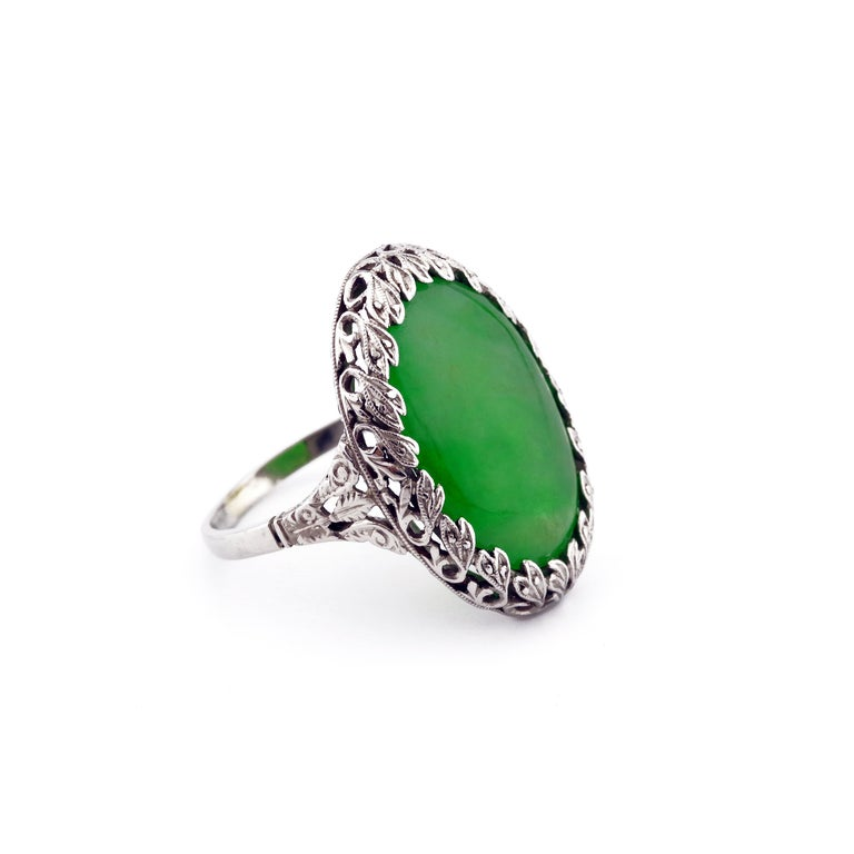1920s GIA Certified Untreated Water Jadeite Jade Ring in Platinum For Sale 2