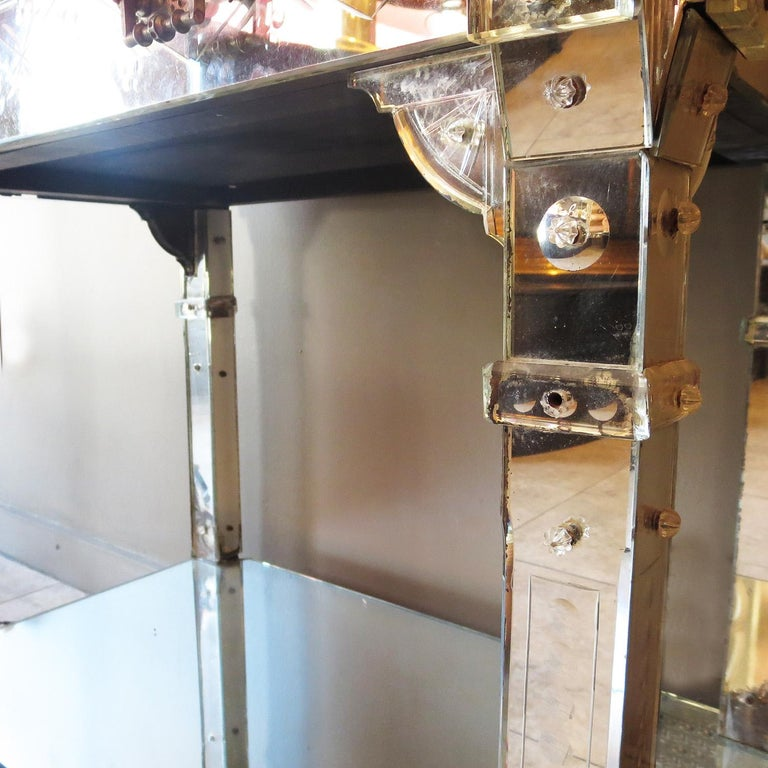 1920s Mirrored Vanity from the Bette Davis Hollywood Estate In Good Condition For Sale In Los Angeles, CA
