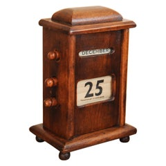 1920s Oak Desk Top Perpetual Calendar with Rotating Dials for Month, Day, Year