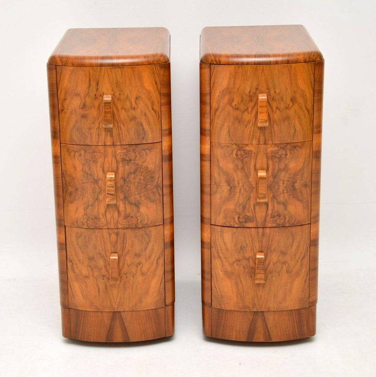 English 1920s Pair of Art Deco Walnut Bedside Chests For Sale