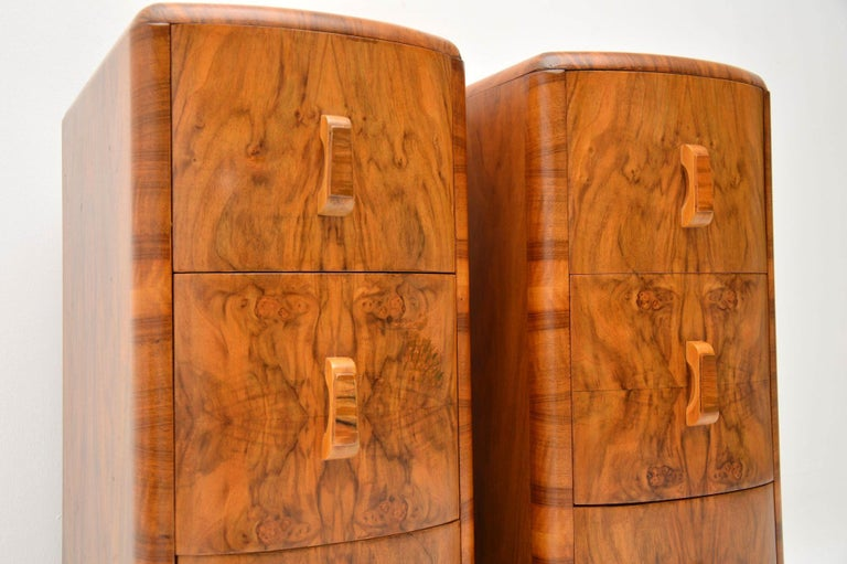 1920s Pair of Art Deco Walnut Bedside Chests In Good Condition For Sale In London, GB