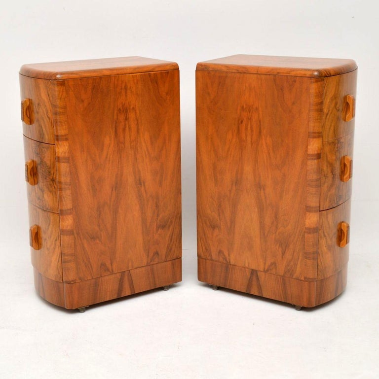 1920s Pair of Art Deco Walnut Bedside Chests For Sale 3