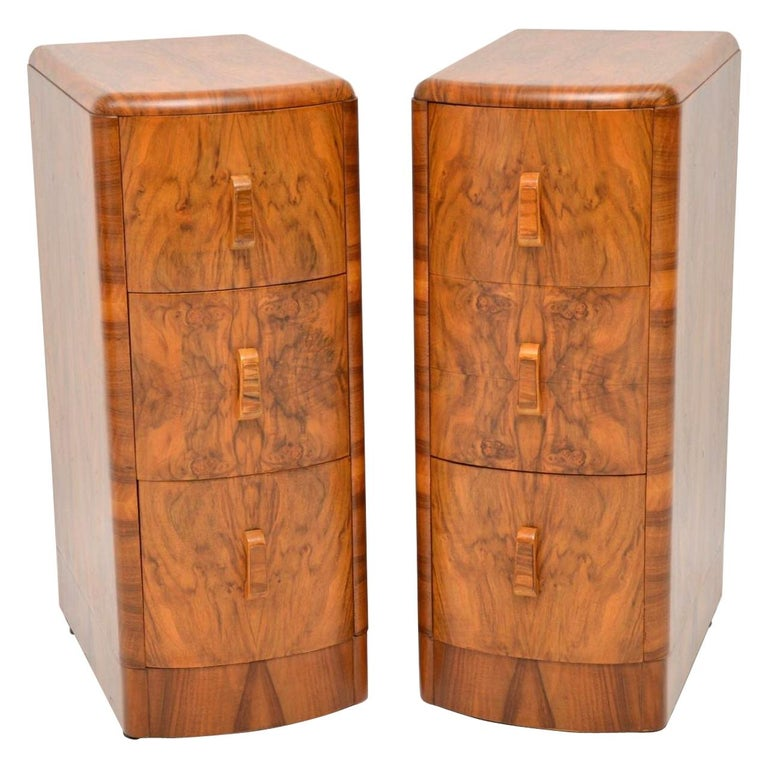 1920s Pair of Art Deco Walnut Bedside Chests For Sale