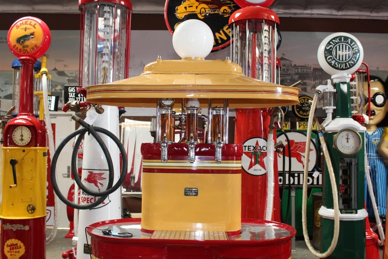 1920s Premier Oil Fountain Model 62 Island Oil Dispenser In Good Condition For Sale In Orange, CA
