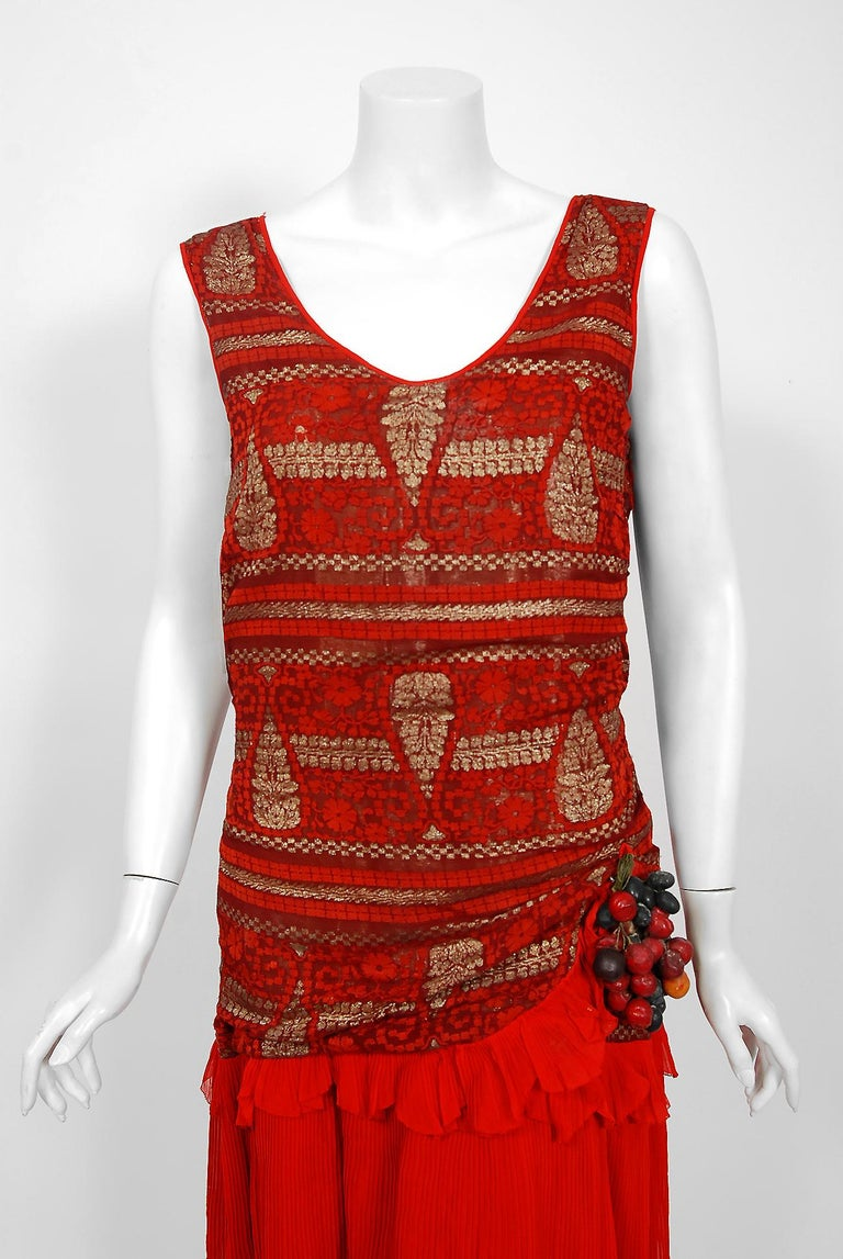 1920's Red & Metallic Gold Print Lamé Asymmetric Pleated Chiffon Flapper Dress In Good Condition For Sale In Beverly Hills, CA