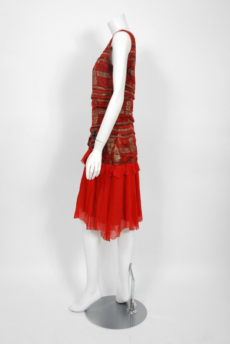 1920's Red & Metallic Gold Print Lamé Asymmetric Pleated Chiffon Flapper Dress For Sale 3