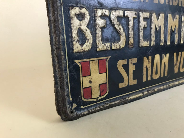 1920s Remarkable Vintage Italian Moral Sign in Tin on a Wooden Board For Sale 2