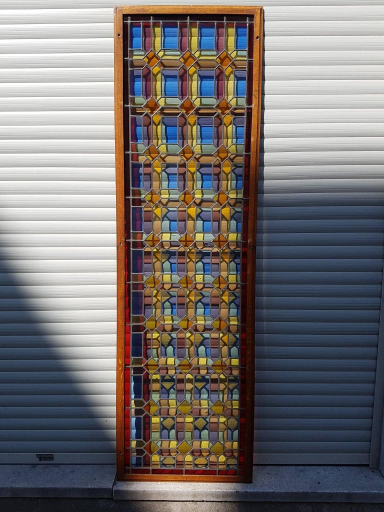 One of Two Multicolored Stained Glass Windows Panels In Good Condition For Sale In Antwerp, BE