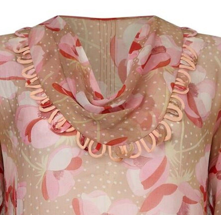 1920s Silk Chiffon Dress With Pink Floral Print In Excellent Condition For Sale In London, GB