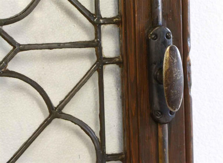 North American 1920s Single Oak Door with Gothic Leaded Quatrefoil Glass For Sale