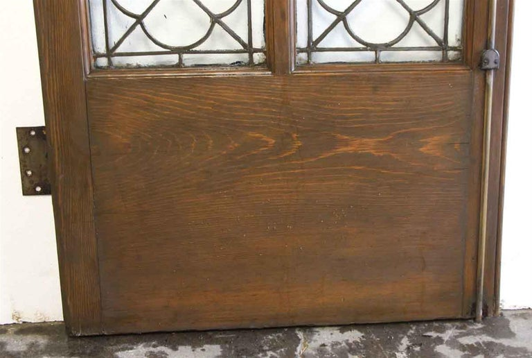 1920s Single Oak Door with Gothic Leaded Quatrefoil Glass In Good Condition For Sale In New York, NY