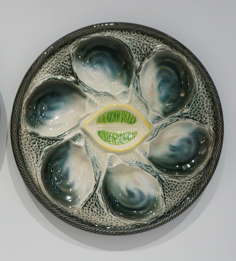 Hand-Painted St Clement French Art Deco Majolica Set of 6 Oyster Plates and Serving Platter For Sale