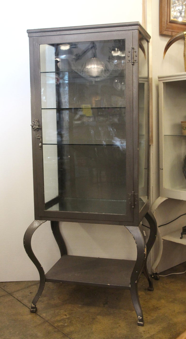1920s Stripped and Lacquered Steel Dental Cabinet with Cabriole Legs and Shelves For Sale 2