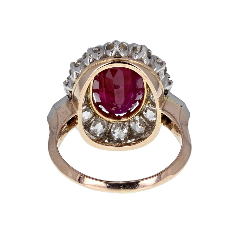 Classic  Unheated Burma Ruby Diamond Oval Cluster Ring In Excellent Condition For Sale In Newcastle Upon Tyne, GB