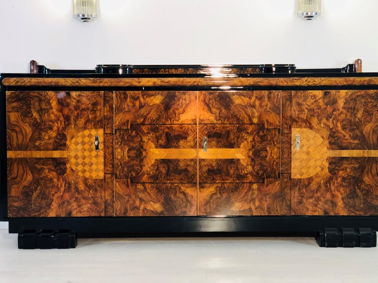 1920s Walnut Burl Art Deco Sideboard with Ornamentations, Limited Offer In Excellent Condition For Sale In Senden, NRW