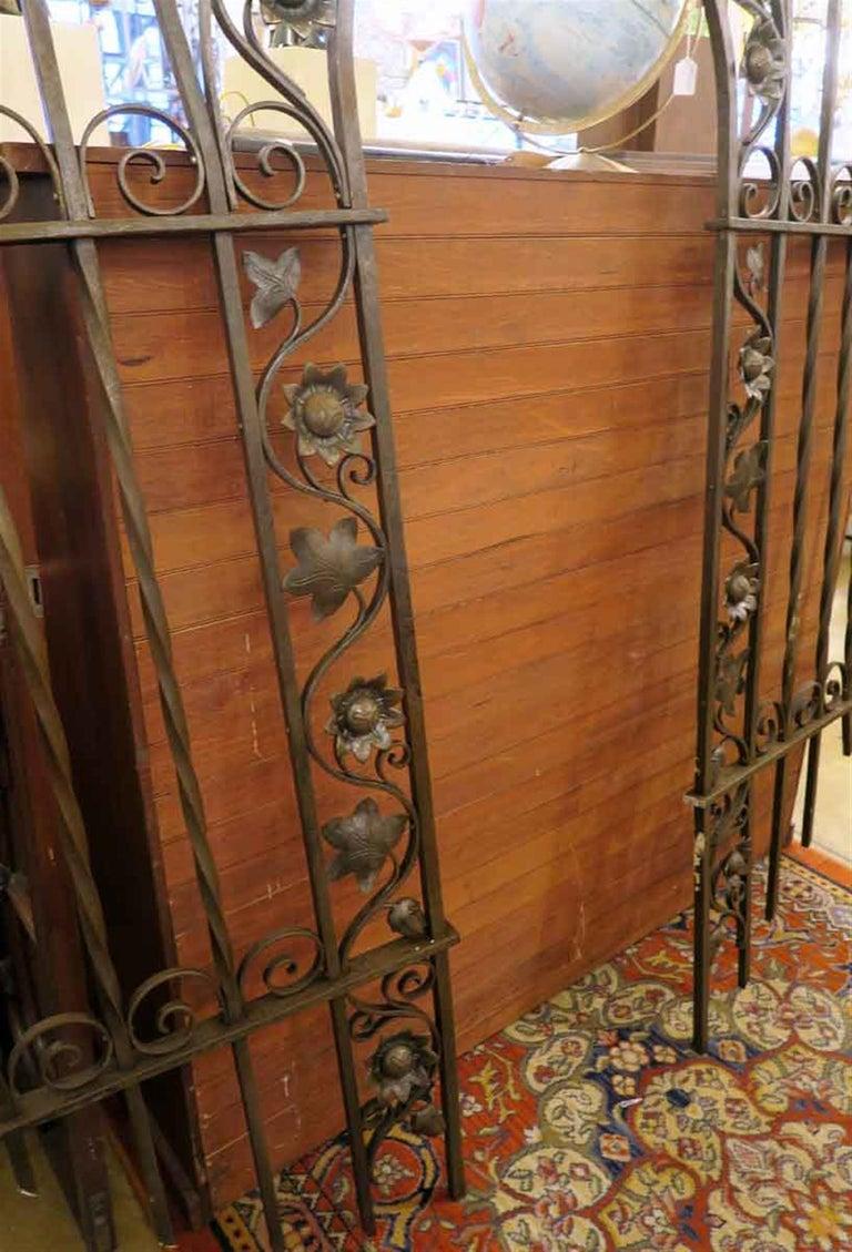 American 1920s Wrought and Cast Iron Art Nouveau Floral Gateway Arch For Sale