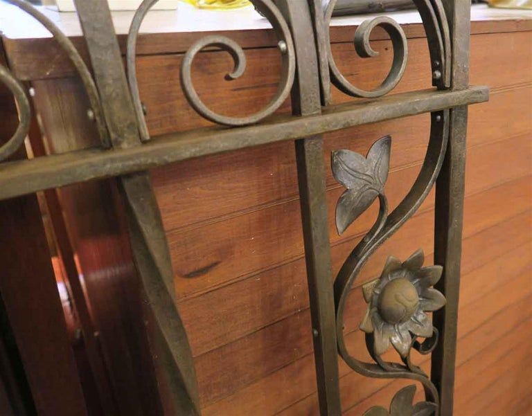 1920s Wrought and Cast Iron Art Nouveau Floral Gateway Arch In Good Condition For Sale In New York, NY