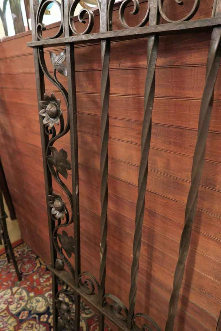 1920s Wrought and Cast Iron Art Nouveau Floral Gateway Arch For Sale 1