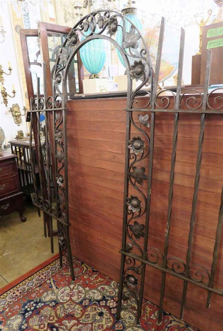 1920s Wrought and Cast Iron Art Nouveau Floral Gateway Arch For Sale 2