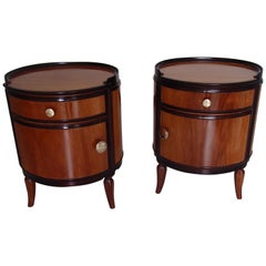 1920 This Pair Round of Full Mahogany Side Tables Nightstands with Brass Knobs