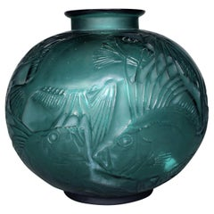 1921 René Lalique Poissons Vase Tale Green Glass