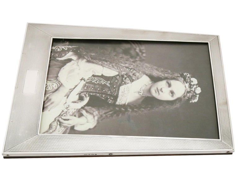 1924 Art Deco Antique Sterling Silver Photograph Frame by Sanders & Mackenzie For Sale 1