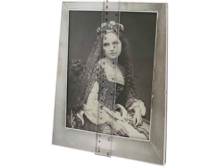 1924 Art Deco Antique Sterling Silver Photograph Frame by Sanders & Mackenzie For Sale 3