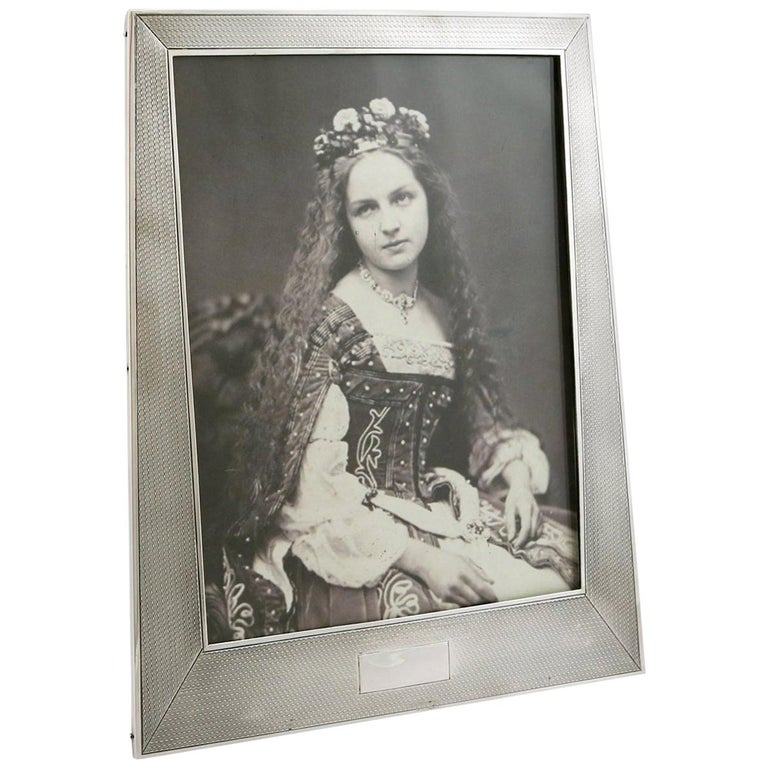 1924 Art Deco Antique Sterling Silver Photograph Frame by Sanders & Mackenzie For Sale